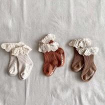 11/26收單►坑條蕾絲花邊襪一組3雙