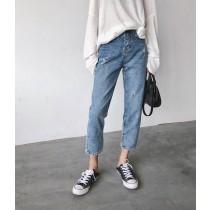 內側褲腳小開叉設計牛仔褲